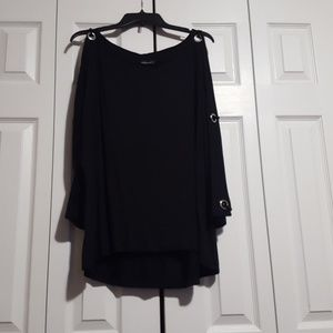 Ladies peep arm black shirt
